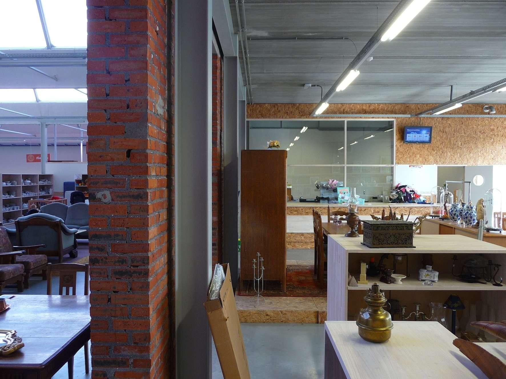 kringwinkel meetjesland eeklo <span>2016, eeklo, kantoor </span>